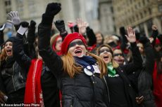 راهپیماییهای سراسری زنان در آمریکا علیه ترامپ