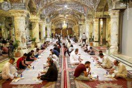 افطار روزه داران در حرم مطهر علوی